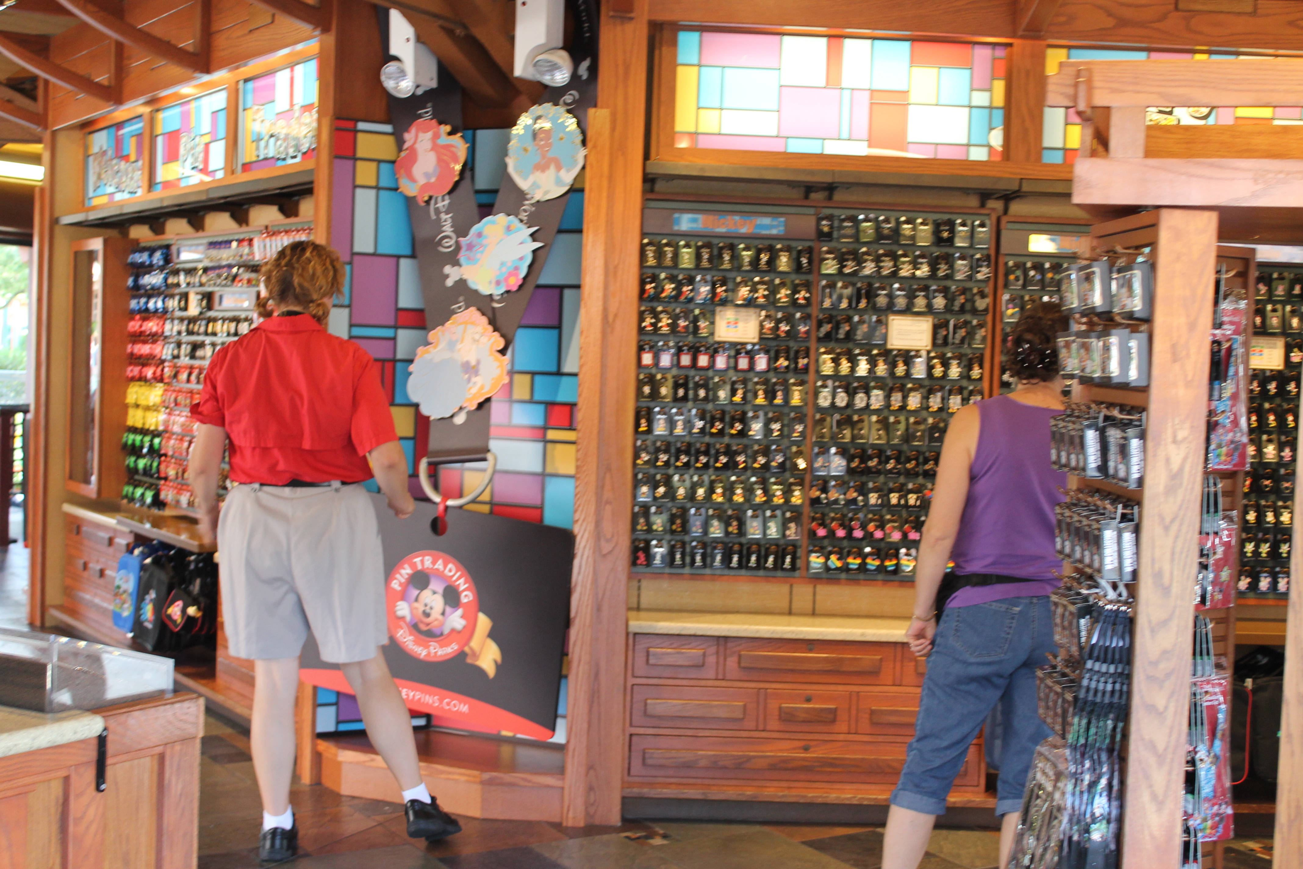 About Disney Pins and the Disney Pin Trading Community ...