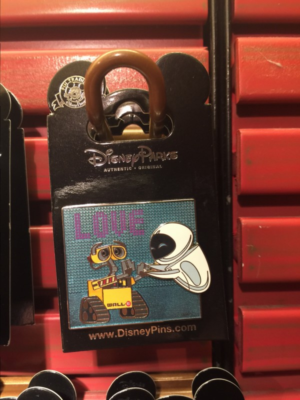 WALL-E and Eve Open Edition Pin 2015